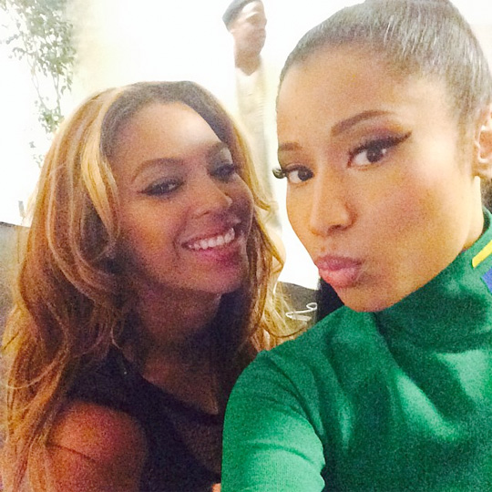 Beyonce & Nicki Minaj Perform Flawless Remix Live For First Time In Paris France