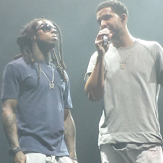 Drake Receives His MTV VMA Award From Lil Wayne In Boston, Gives A Speech