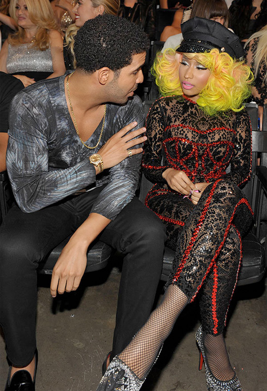 Nicki Minaj & Drake Both Win An Award At 2012 MTV VMAs