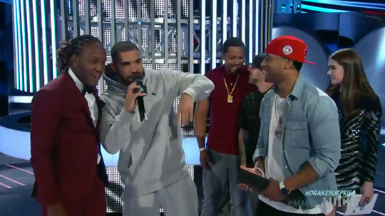 Drake Makes A Surprise Appearance At The 2015 Much Music Video Awards