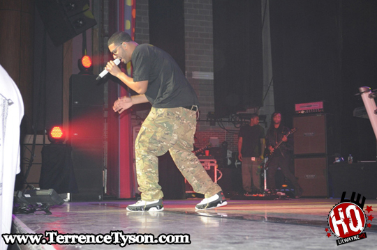Pictures Of Drake Performing At The Moran Theater In Jacksonville