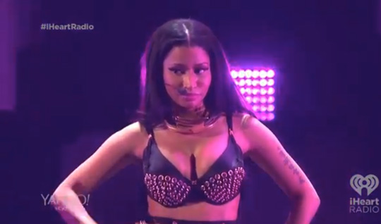 Nicki Minaj Performs Live At The 2014 iHeartRadio Music Festival, Brings Out Ariana Grande