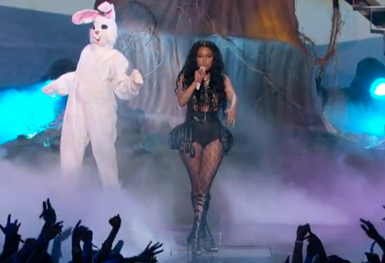 Nicki Minaj Performs ChiRaq & Pills N Potions Live At The 2014 BET Awards