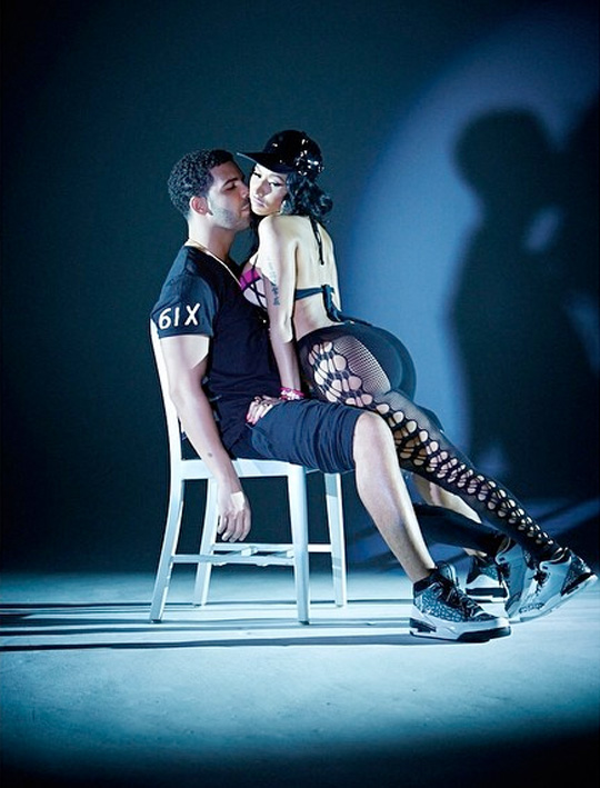 "Responses to ""Nicki Minaj & Drake On Set Of ""Anaconda"" Video"