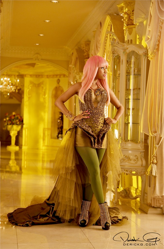 Photo From Behind The Scenes Of Nicki Minaj & Drakes Moment 4 Life Video