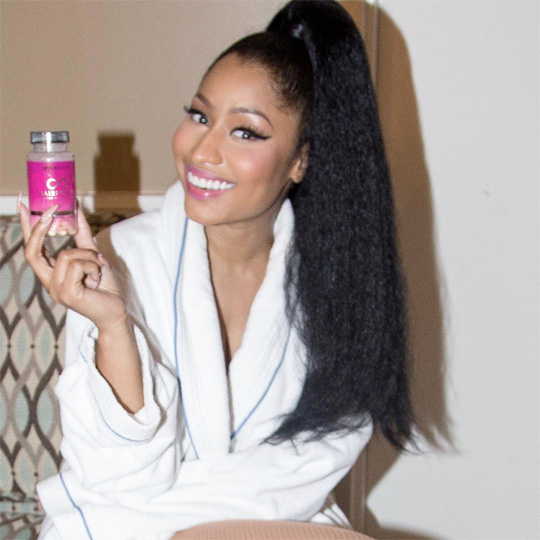 Nicki Minaj Wins A Moonman Award For Best Hip Hop Video At 2015 MTV VMAs