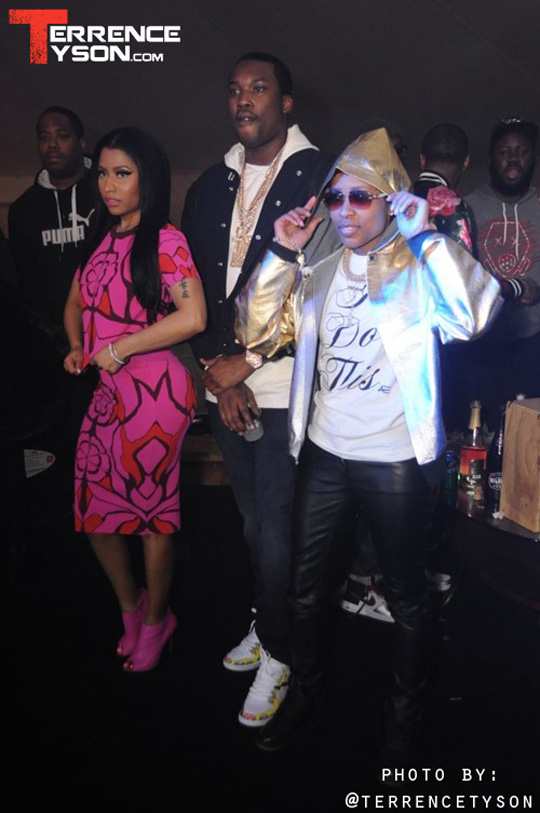 More Photos Of Nicki Minaj At Oasis Tent In North Carolina With Meek Mill & DeJ Loaf