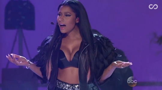 Nicki Minaj Performs Live At The 2015 Billboard Music Awards With David Guetta