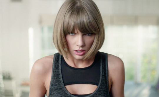 Taylor Swift Covers Drake & Future Jumpman In A New Apple Music Commercial