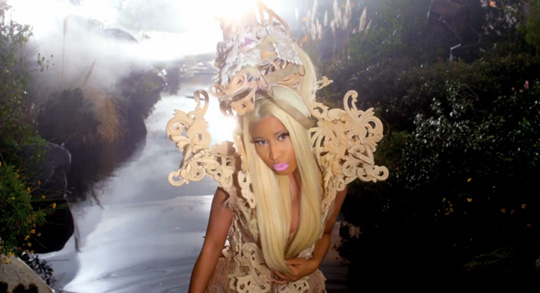 Nicki Minaj Va Va Voom Music Video