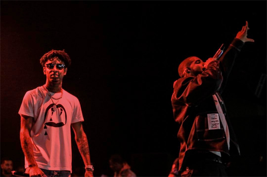 21 Savage Brings Out Drake To Perform Sneakin & More Live In Los Angeles On His Issa Tour