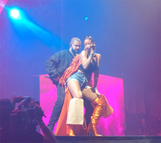 Drake Brings Out Rihanna During 2016 OVO Fest In Toronto To Perform Work & Too Good