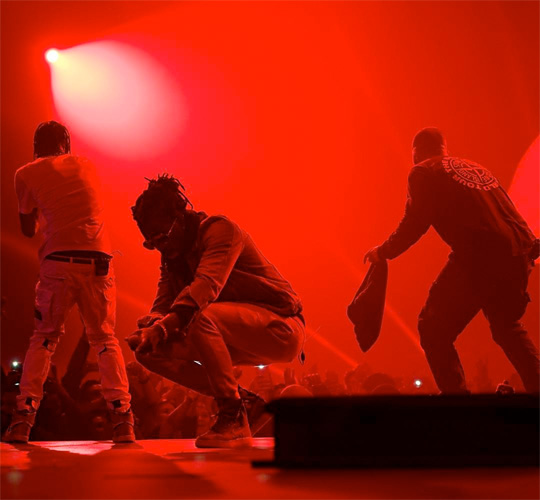 Drake Brings Out Young Thug & Travis Scott During His London Show, Offers The Crowd A Refund After Travis Fell & Broke His Stage
