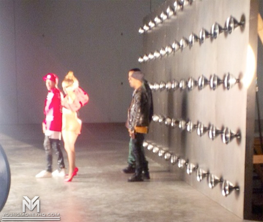 Jennifer Lopez Shoots I Luh Ya Papi Remix Music Video With Tyga, French Montana & Big Sean