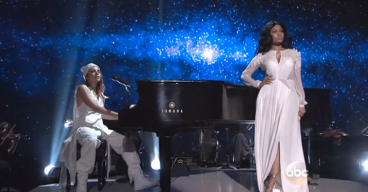 Nicki Minaj Performs Live At The 2014 American Music Awards With Skylar Grey, Jessie J & Ariana Grande