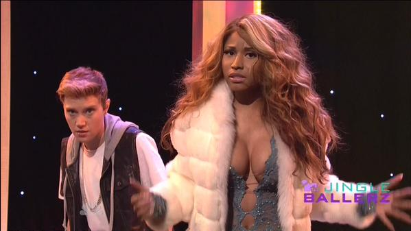 Nicki Minaj Appears On Saturday Night Live, Performs Bed Of Lies With Skylar Grey